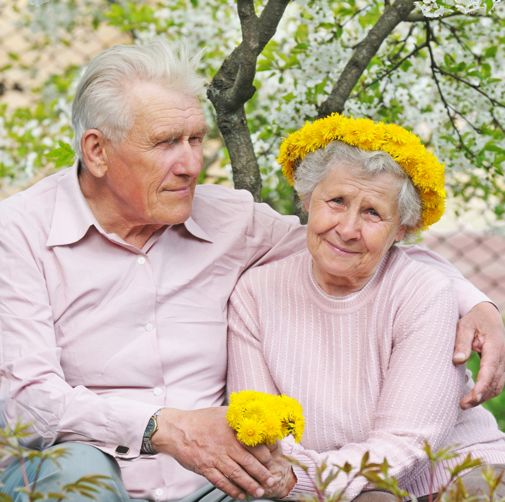 Aging Parents: Aging Parents: Assisted Living Or At-Home Caregiver?