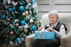 How to Choose a Christmas Gift for a Parent with Dementia, Unlimited Care Cottages