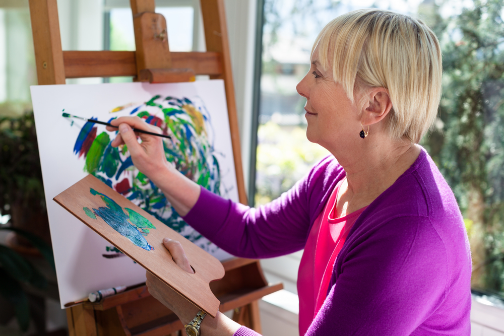 Older Women More Likely to Live Alone