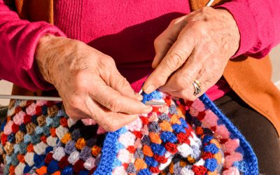 4 Crafts to Improve a Senior's Motor Skills